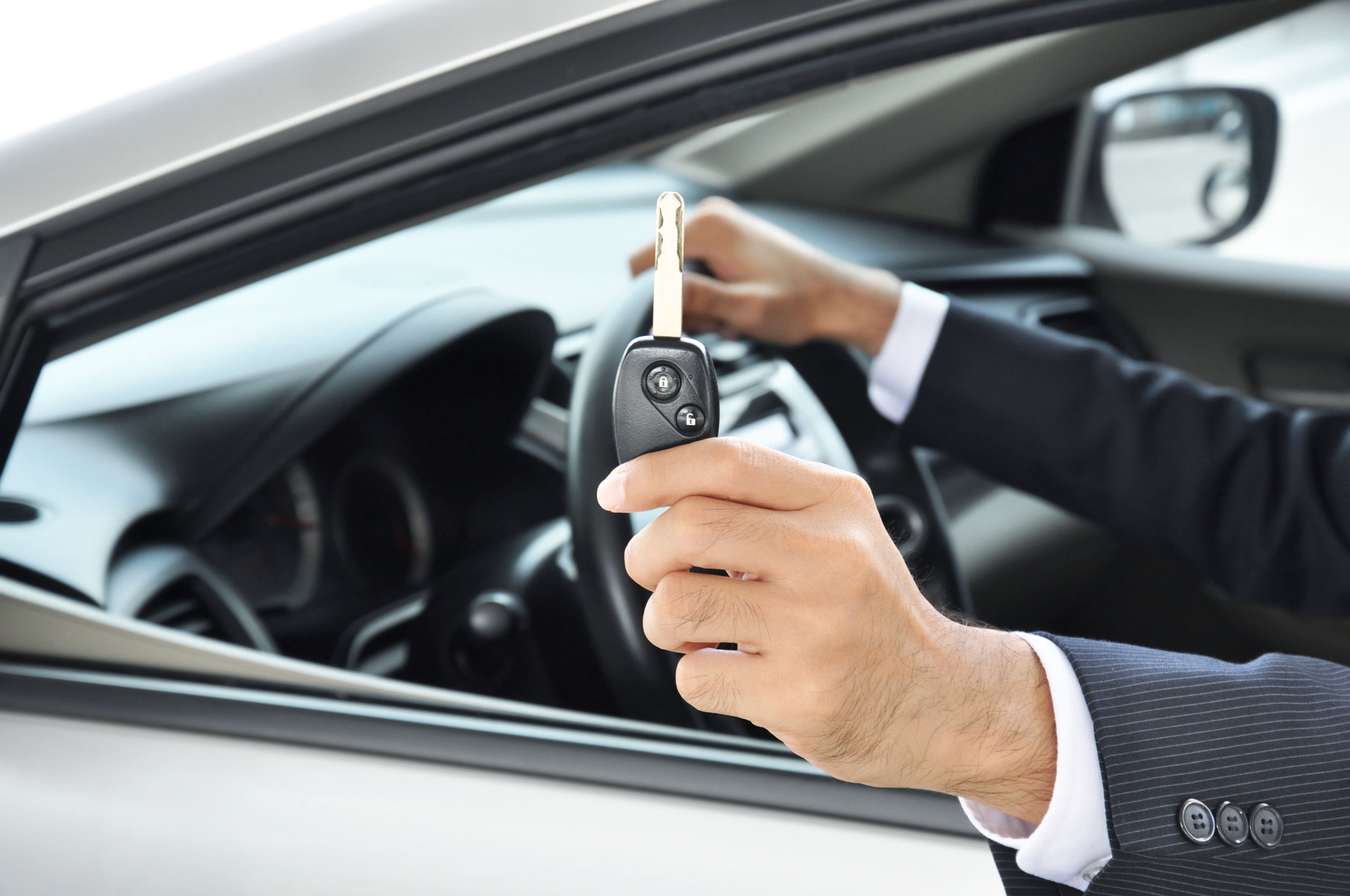 8 Things to Know When Using Chauffeur Services